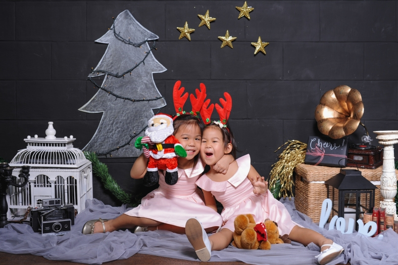 Wooden Canvas + Something Pretty Manila x Sugarpuff Photography Christmas Mini-Sessions