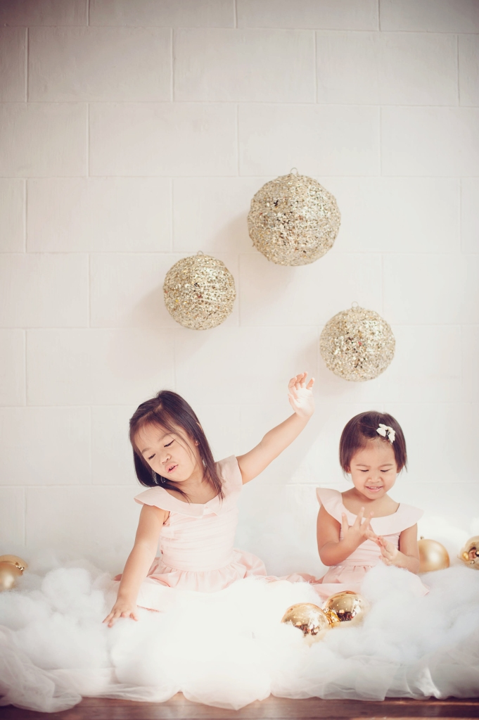 Wooden Canvas + Something Pretty Manila x Sugarpuff Photography Christmas Mini-Sessions - Meghan and Solenn